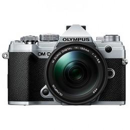 Olympus E-M5 Mark III Argent + 14-150 mm Noir