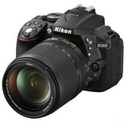 Nikon D5300 + AF-S DX NIKKOR 18-140MM
